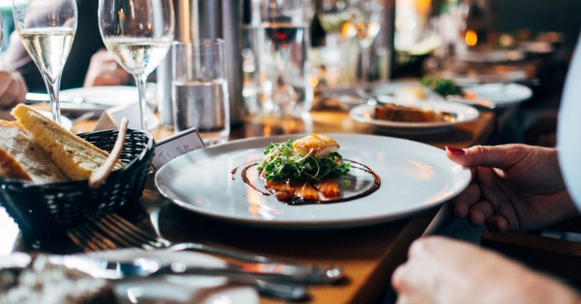 Tips For Hiring A Private Chef For Your Bachelorette Party